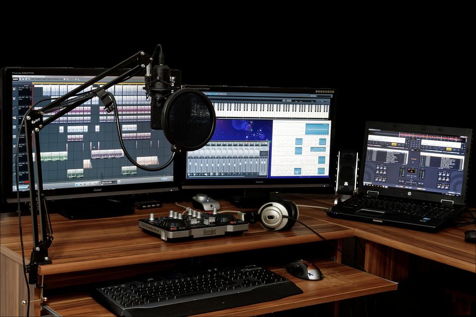 studio-1003635_960_720